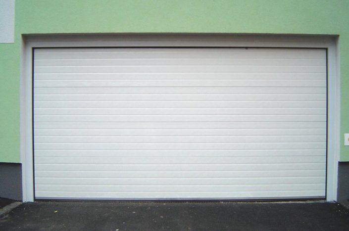 garážová vrata sekční, bílá