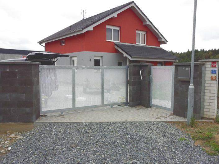 pojezdová brána, kov, pozink